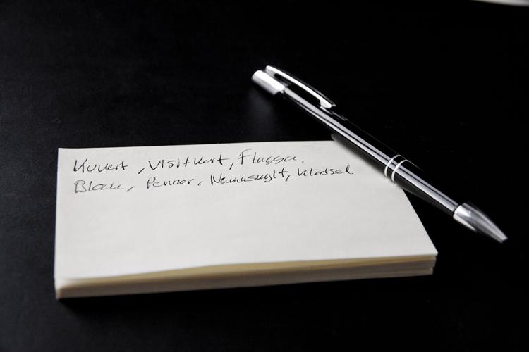 Driva projekt - Post-it och penna för att föra anteckningar när man planerar sitt projekt